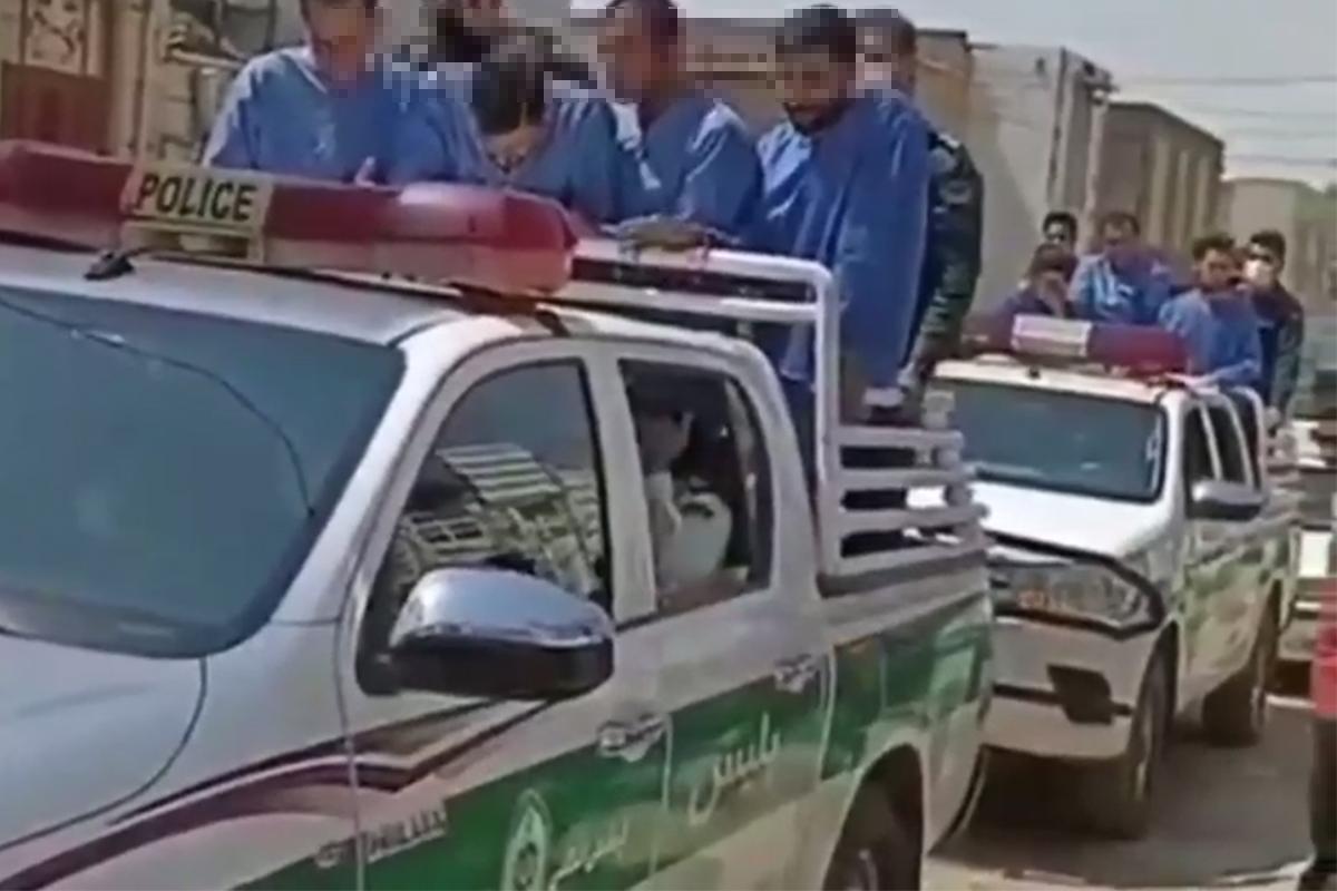 تحقیر و گرداندن متهمان در سطح شهر خرمآباد